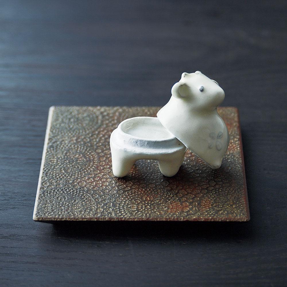 三原嘉子さんの小さなうし香合