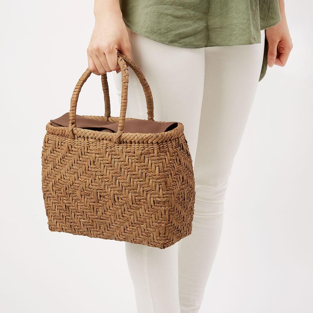 山ぶどう籠バッグ 三つ編み菱形網代(小)