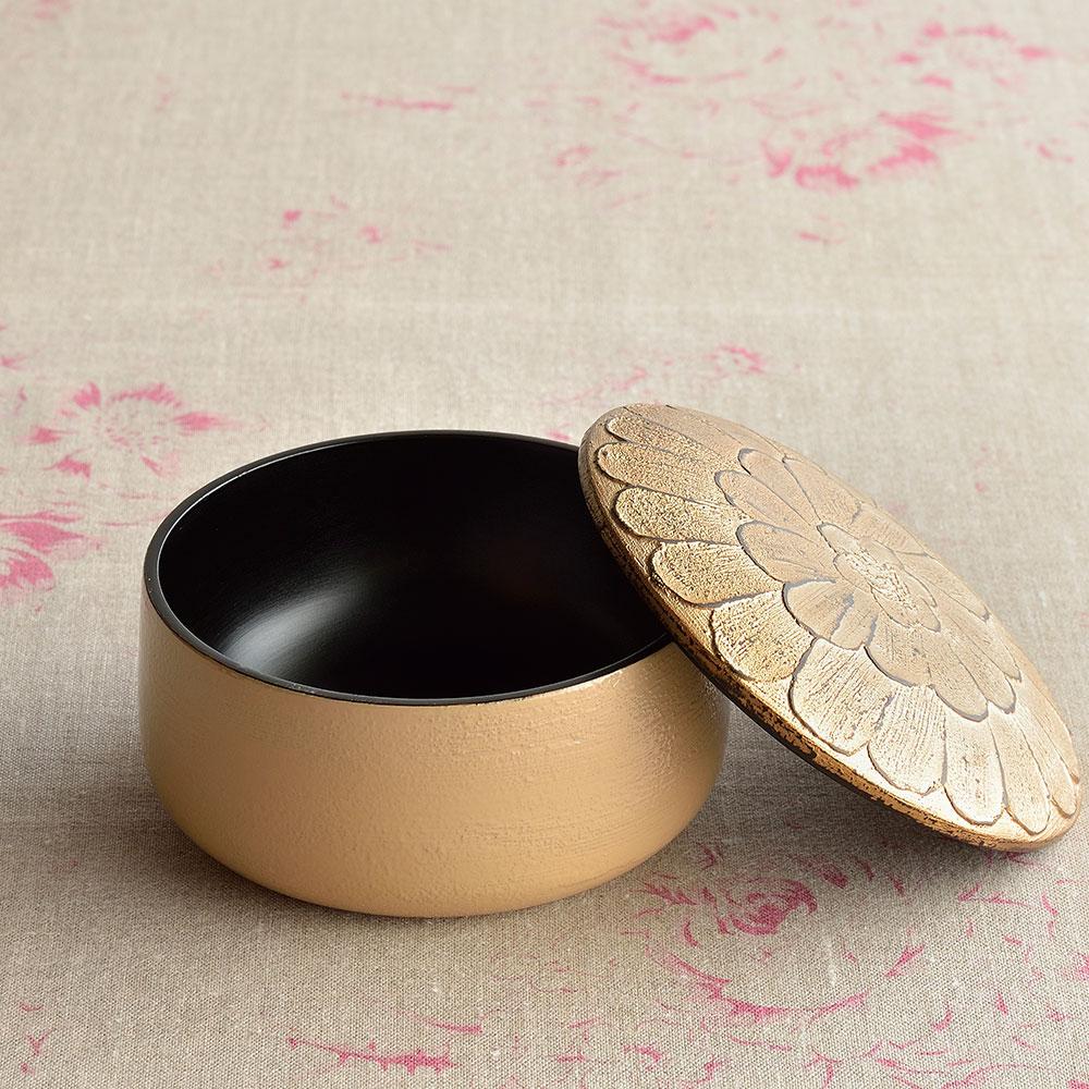 中村彩子さんの 漆のキャンディボックス ベージュ×ゴールド