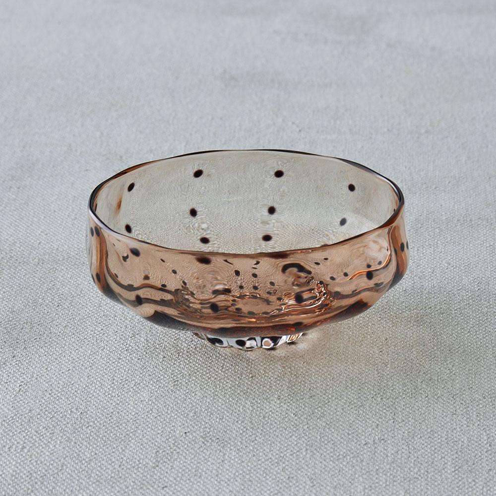 鈴木努さんのガラス器 豆絞り小鉢 アンバー