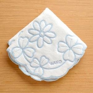 タオルハンカチーフ 花とクローバー 白×水色