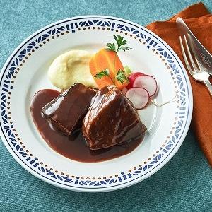 宮田シェフの牛頬肉の赤ワイン煮込み