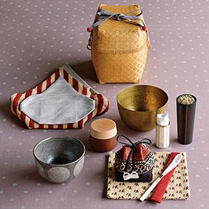 佐々木文代さんの水玉茶碗が入った旅持ち茶籠「玉手箱」