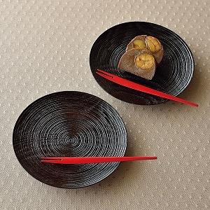 沢栗スジ挽き皿 2枚組 小魚フォーク付き