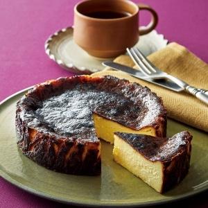 スペインレストランのこだわりバスクチーズケーキ